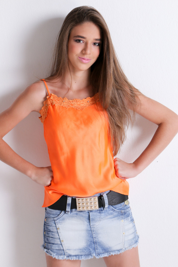 Laura - (2)