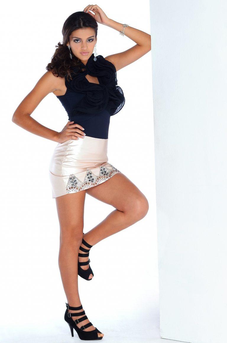 Larissa (3)